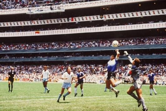 Maradona-la-mano-di-Dio