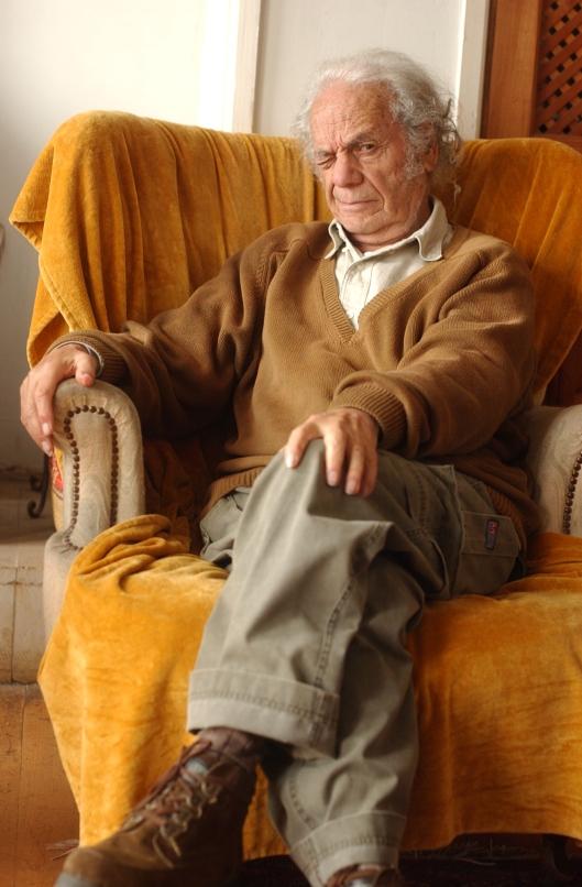 18.04.003  Nicanor Parra (antipoeta). NICANOR PARRA12.JPG NICANOR PARRA12.JPG